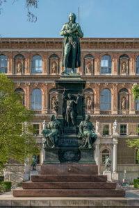 Schillerdenkmal,_Vienna